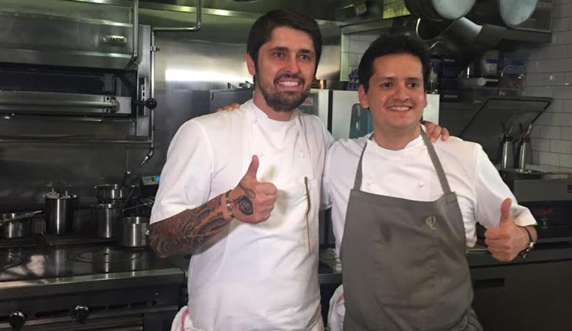Two chefs with thumbs up- 1140 x 660 px