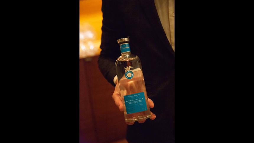 bottle-hand