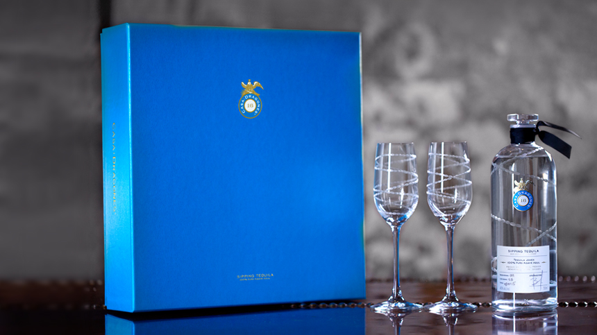Casa-Dragones-Special-Holiday-Edition-Tequila-Gift-Set