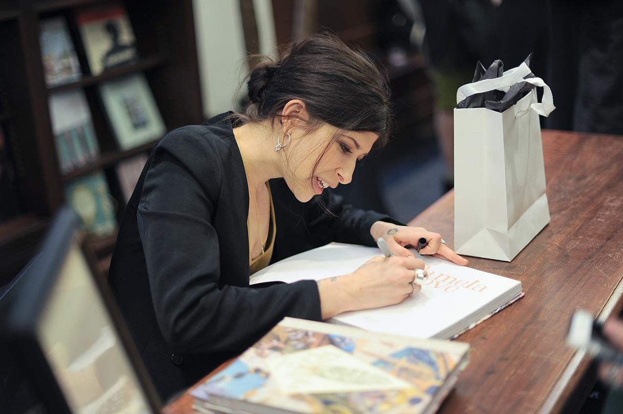 Firma de libros de Pamela Love en Nueva York